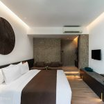 the-splash-koh-chang-deluxe-rooms-king-bed-1